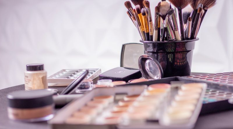 Cheap Make up and Accessories Storage Ideas you can try at Home